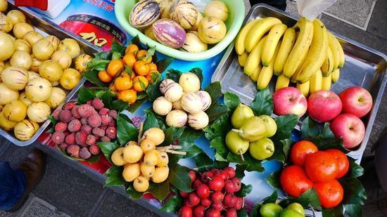 卖水果赚钱吗?亲戚卖水果月入5万,究竟是怎么做到的!