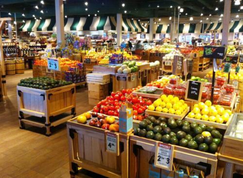 开水果店卖水果赚钱吗?创业开水果店需要注意的事项