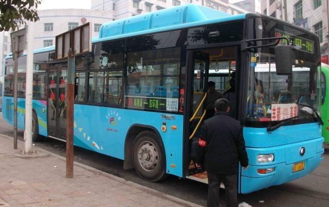 坐公交只需1块钱,公交公司赚钱吗?